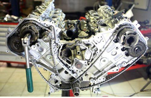 Автосервис производит весь комплекс восстановительных работ, диагностических работ и работ по обслуживанию двигателей автомобилей Nissan. При наличии неисправностей в работе силового агрегата специалистом обязательно производится компьютерная диагностика автомобиля. Только имея все достоверные данные, мастер принимает решение о необходимом виде ремонта двигателя.