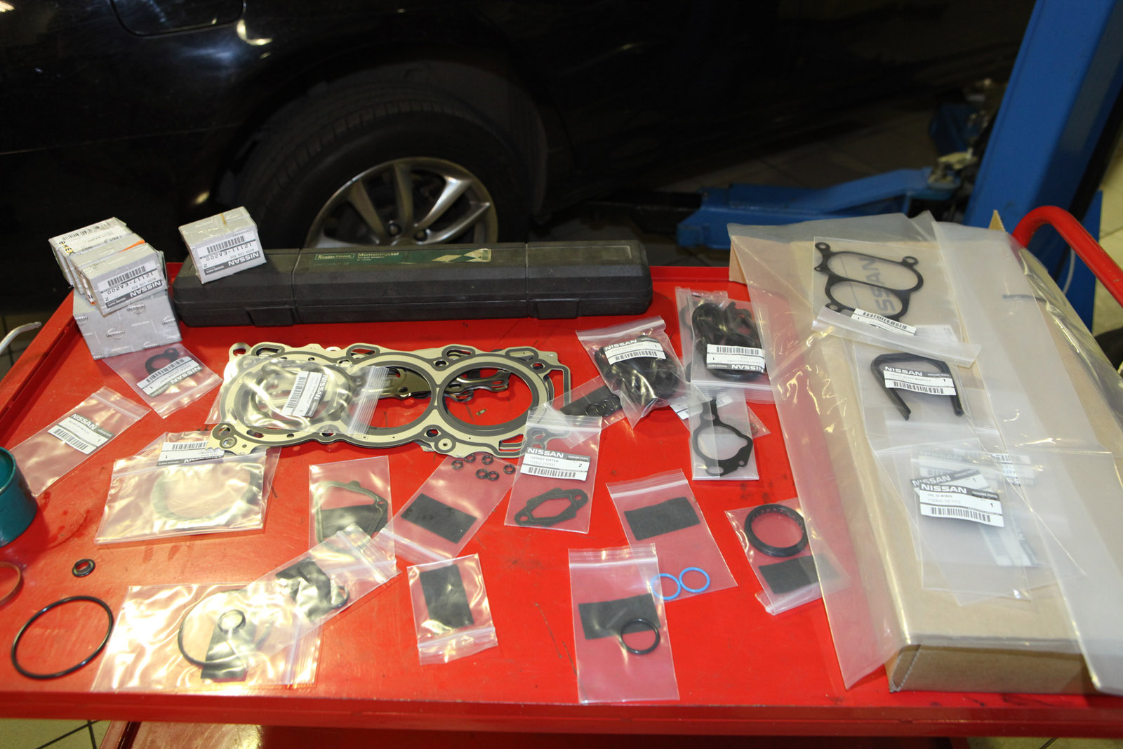 Комплект ремонтных вкладышей и прокладок для ремонта двигателя Nissan